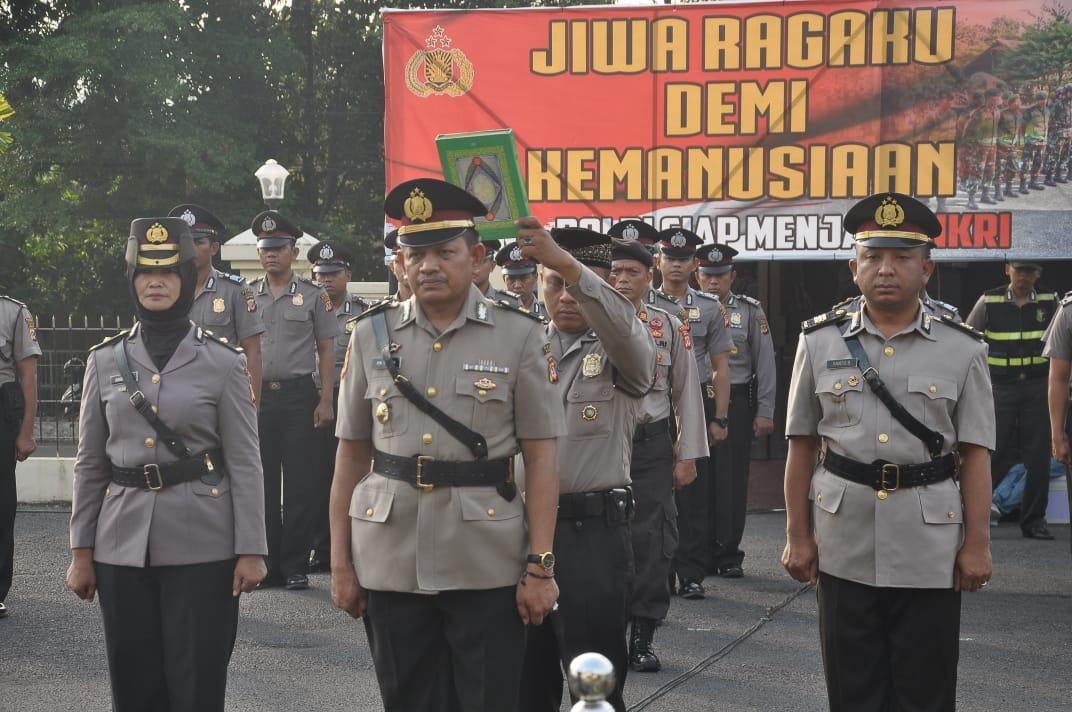 Sertijab di Polres Banjar, Sumpah Janji Gunakan Alquran