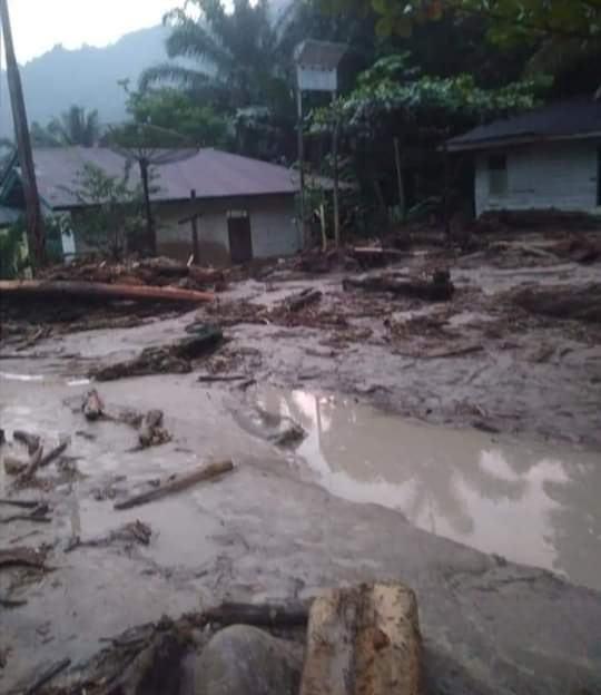 Banjir Bandang Labuhanbatu Utara, Porak-poranda Rumah