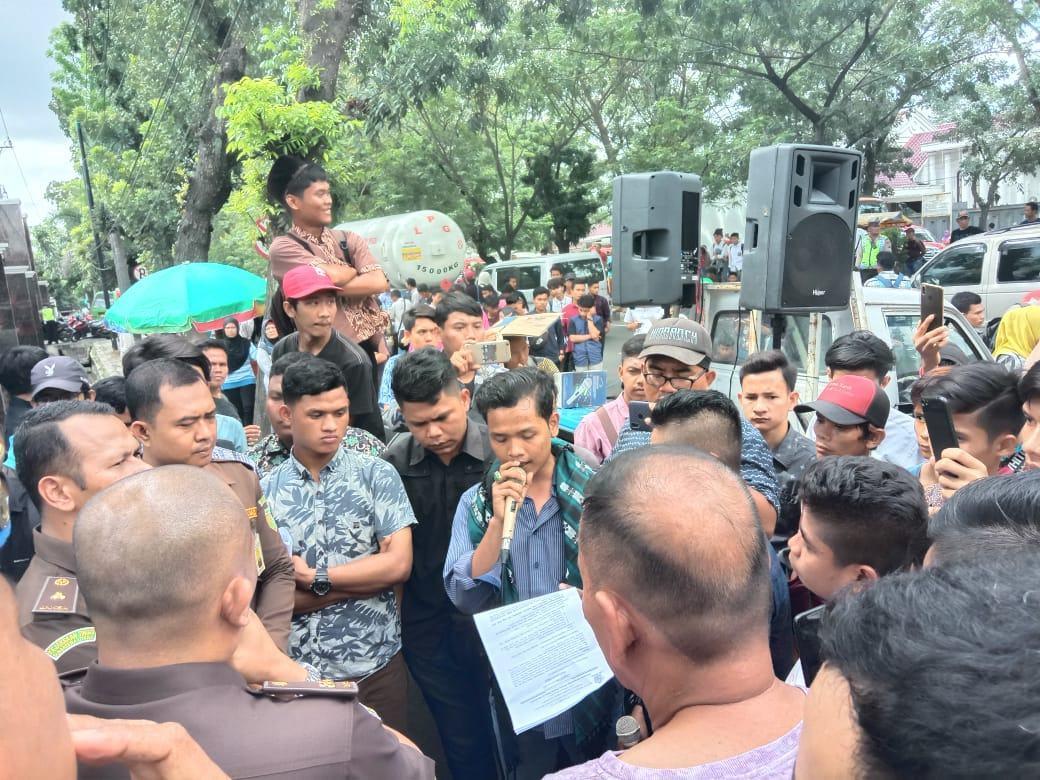 Demo Kejatisu, Ima-Tabagsel Minta Bupati Madina Ditetapkan Tersangka