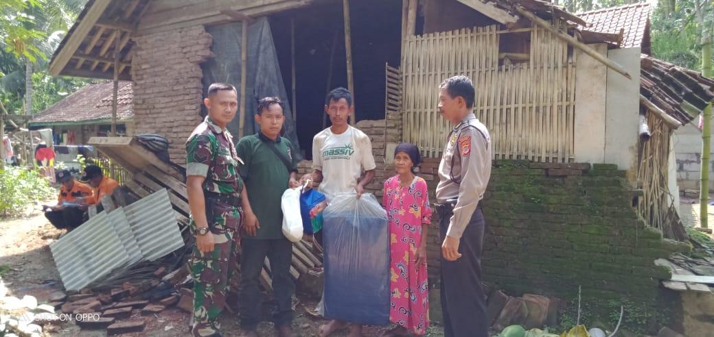 Dinas Sosial Ciamis, Salurkan Bantuan untuk Korban Angin Puting Beliung