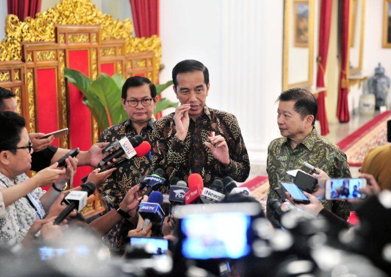 Soal Virus Corona, Jokowi Perintahkan Menkes Awasi Secara Detail
