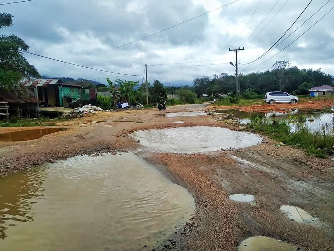 Pemkab Tapteng Usulkan Penanganan Tiga Ruas Jalan Provinsi Di Wilayah Tapteng