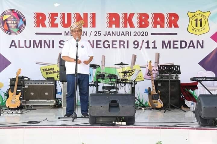 Akhyar Hadiri Reuni Akbar Lintas Angkatan SMP N 9/11 Medan