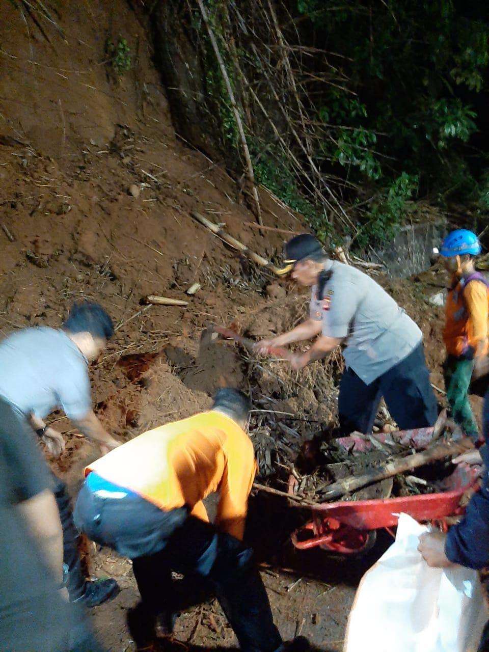 Longsor di Banjar, Arus Lalu Lintas Sempat Tersendat