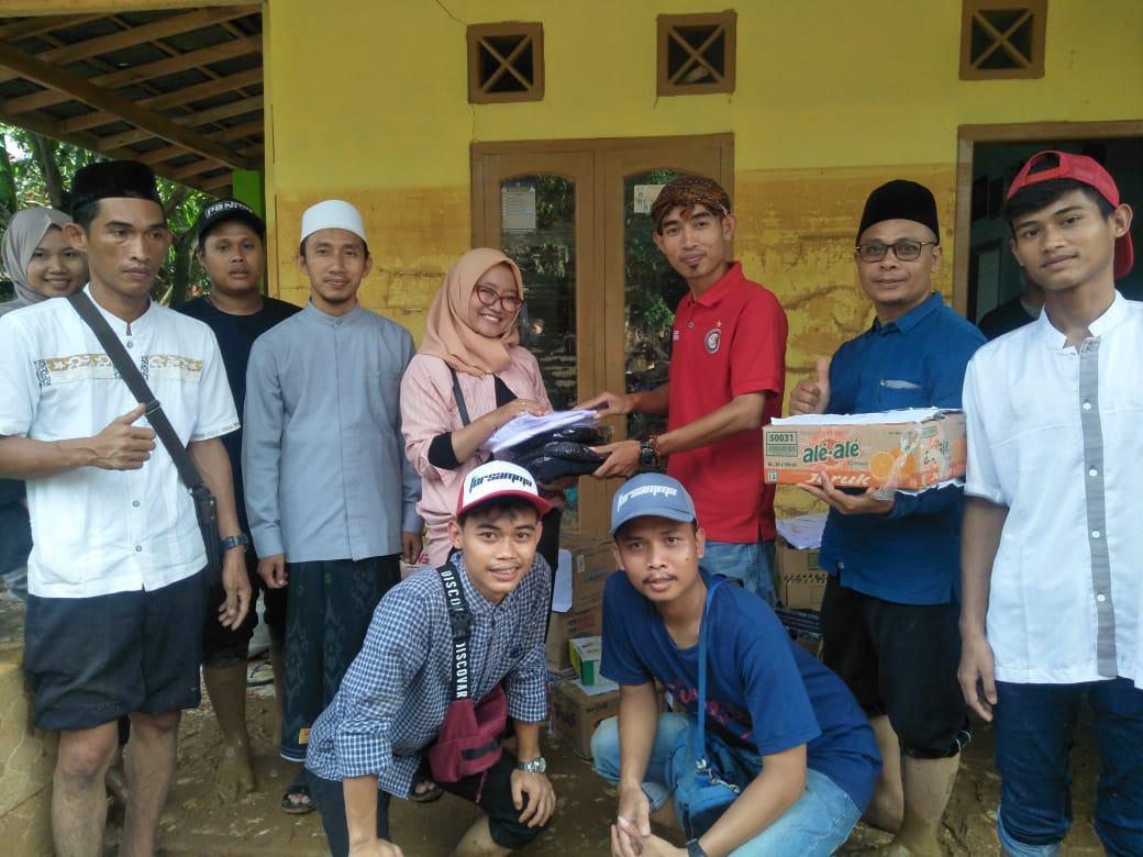 YPI Masyariqul Anwar Bersama FORSAMMA, Bantu Korban Banjir Banten dengan Trauma Healing