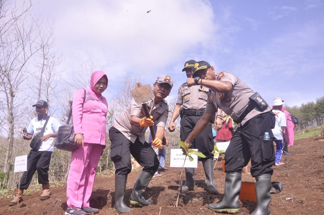 Polres Banjar, Adakan Kegiatan Polri Peduli Penghijauan