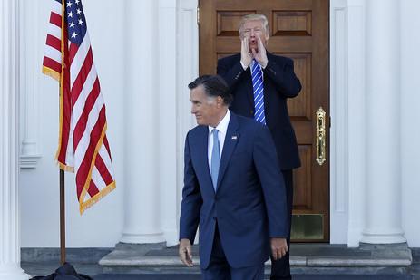 Donald Trump Lepas, Mitt Romney Jadi Bintang