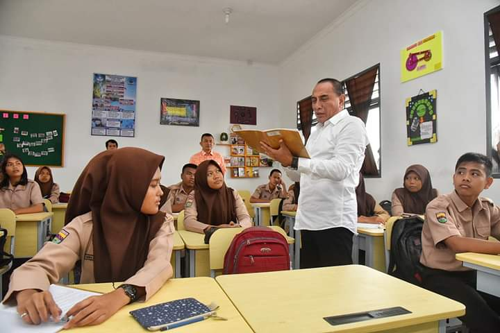 Edy Rahmayadi: Sekolah Barometer Kemajuan Daerah