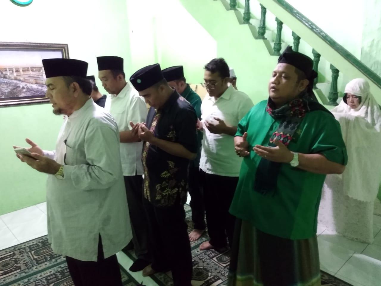 NU Medan, Laksanakan Sholat Ghoib dan Tahlil untuk Gus Sholah