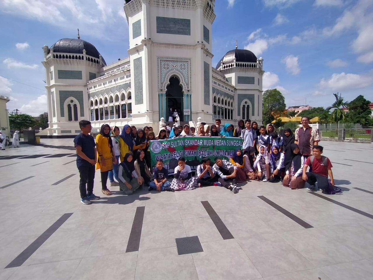 Wisata Religi Multikultural SMP Sultan Iskandar Muda, Kunjungi Rumah-Rumah Ibadah di Kota Medan