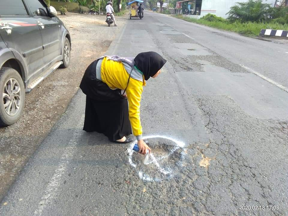 Jalinsum di Langkat Berlubang, Kalam Bandingkan Jalan Malaysia dengan Indonesia