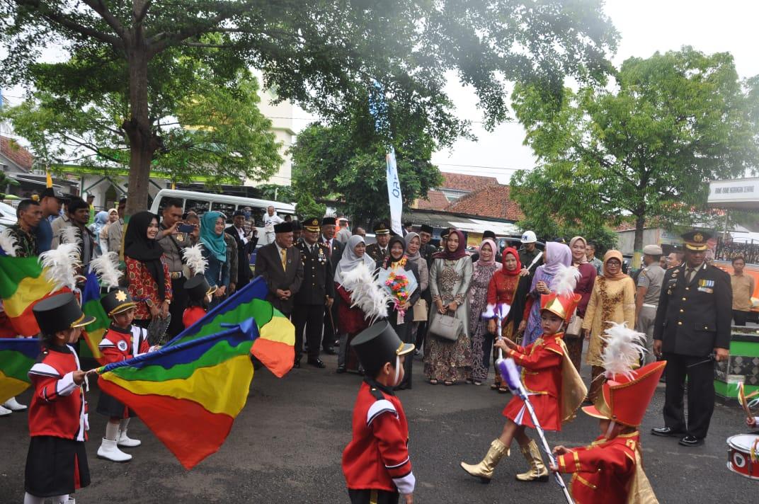 Hari Jadi Kota Banjar, Drumband Ksatria Citanduy Bawa Kue Ulang Tahun