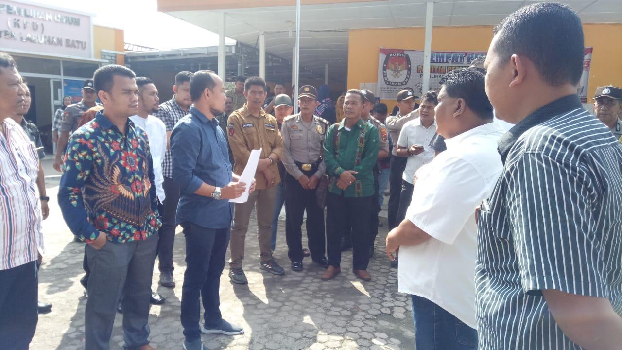 Pilkada Serentak 2020, Akhyar-Saiful Serahkan 27 Ribu Dukungan ke KPUD Labuhanbatu