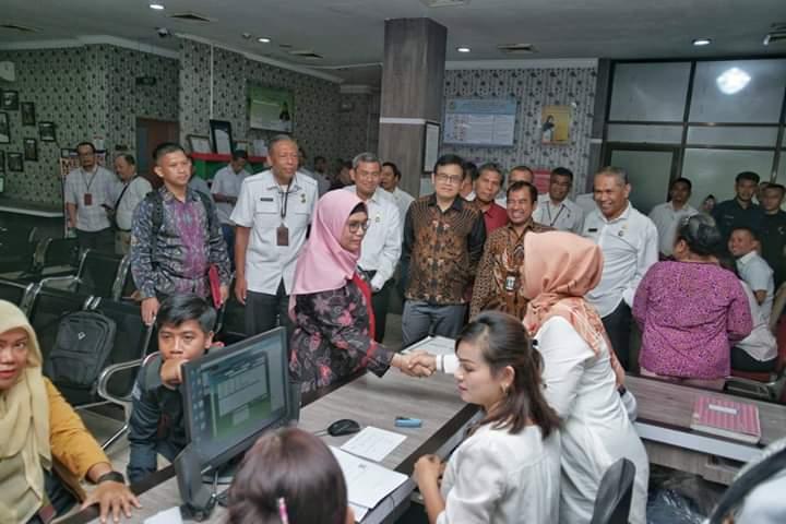 Kunjungi Dinas PMPTSP Kota Medan, Pimpinan KPK Tinjau Pelayanan Perizinan