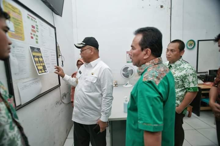 Akhyar Instruksikan Dinkes Kota Medan Perbarui Jumlah Warga Terindikasi Virus Corona