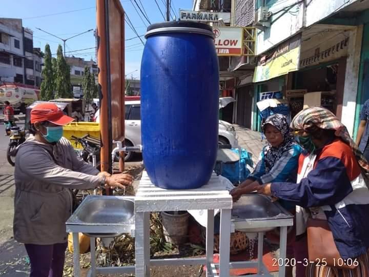 Cegah Covid-19. Pemko Medan Sediakan Cuci Tangan di Pasar Brayan