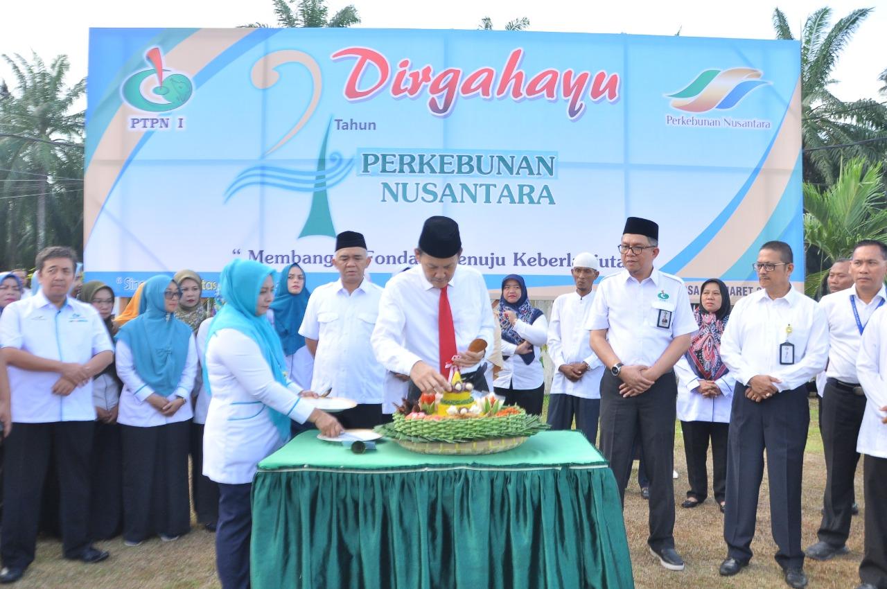 HUT Perkebunan Nusantara Group, Lakukan Upacara dan Potong Nasi Tumpeng