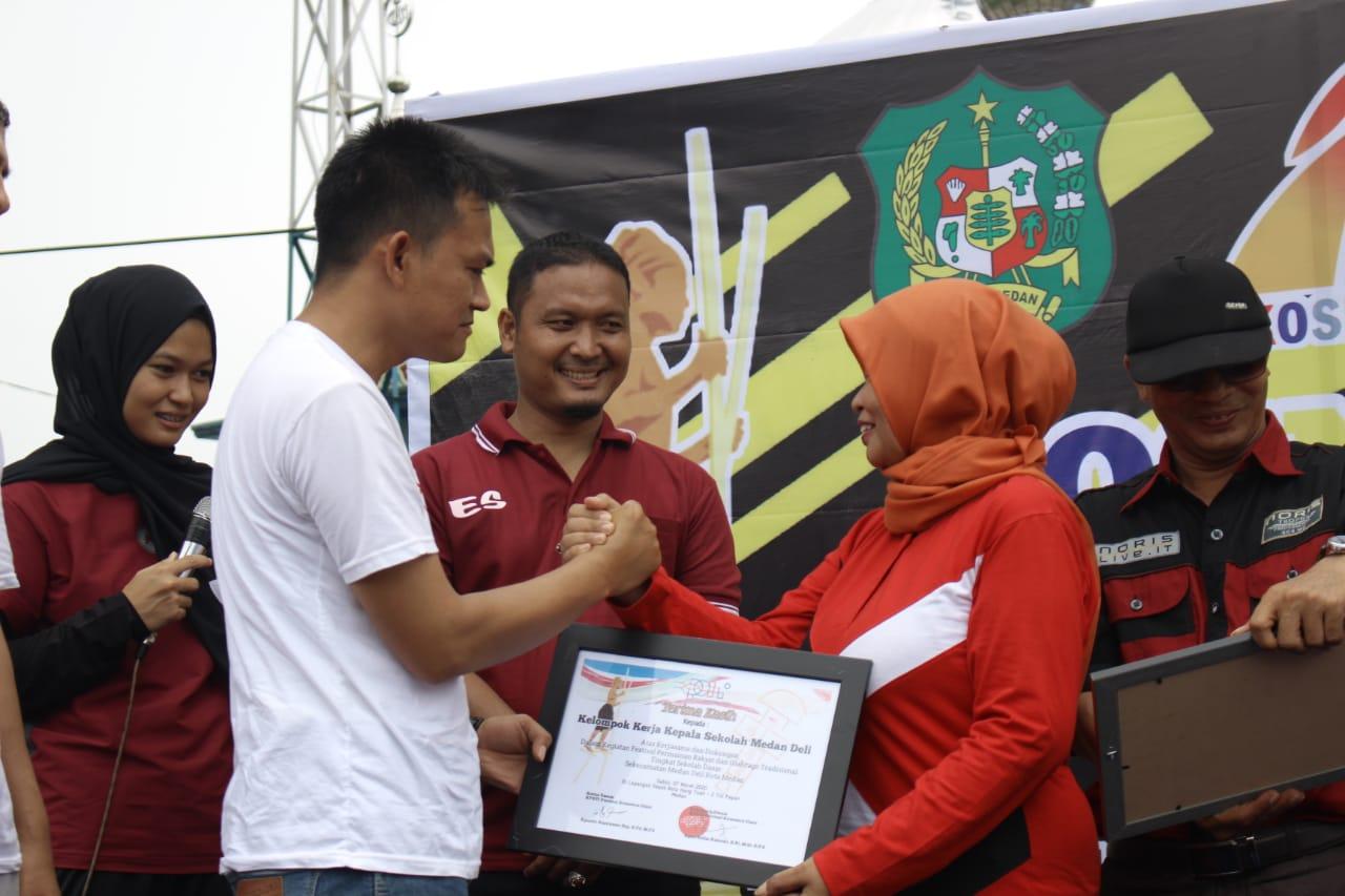 Siswa SD Medan Deli, Meriahkan Permainan Olahraga Tradisional