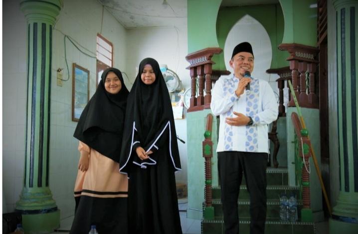 MTQ Labuhanbatu ke-49, Andi Suhaimi Hadiahi Umrah kepada Fitrah Anisa dan Maisyaroh Siregar
