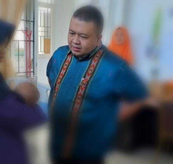 Anggota DPRD Tapanuli Selatan, Jenguk Bayi yang Diduga Korban Kekerasan