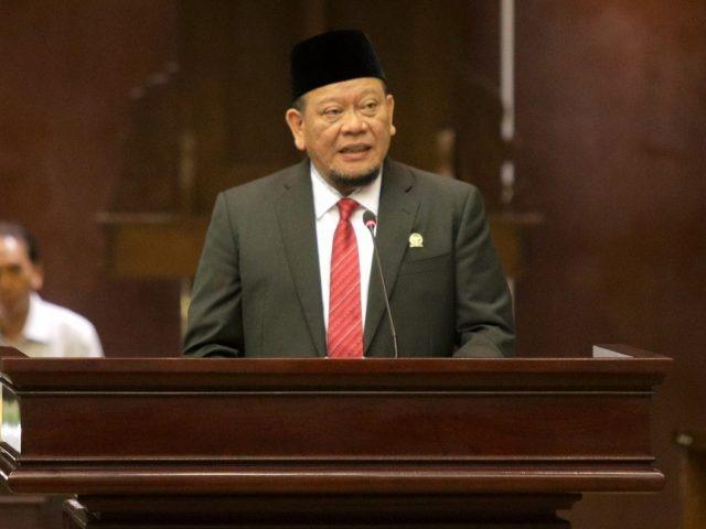 Ketua DPD Minta OJK Buka Hotline Pengaduan