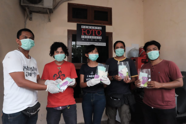 Pewarta Foto Indonesia Medan, Bagikan Masker Hingga Vitamin kepada Anggota