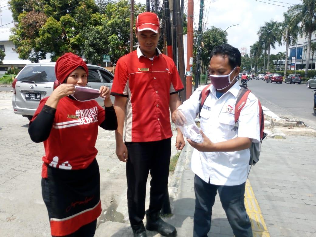Antisipasi Penyebaran Virus Corona, BKNDI Sumut Bagikan Masker