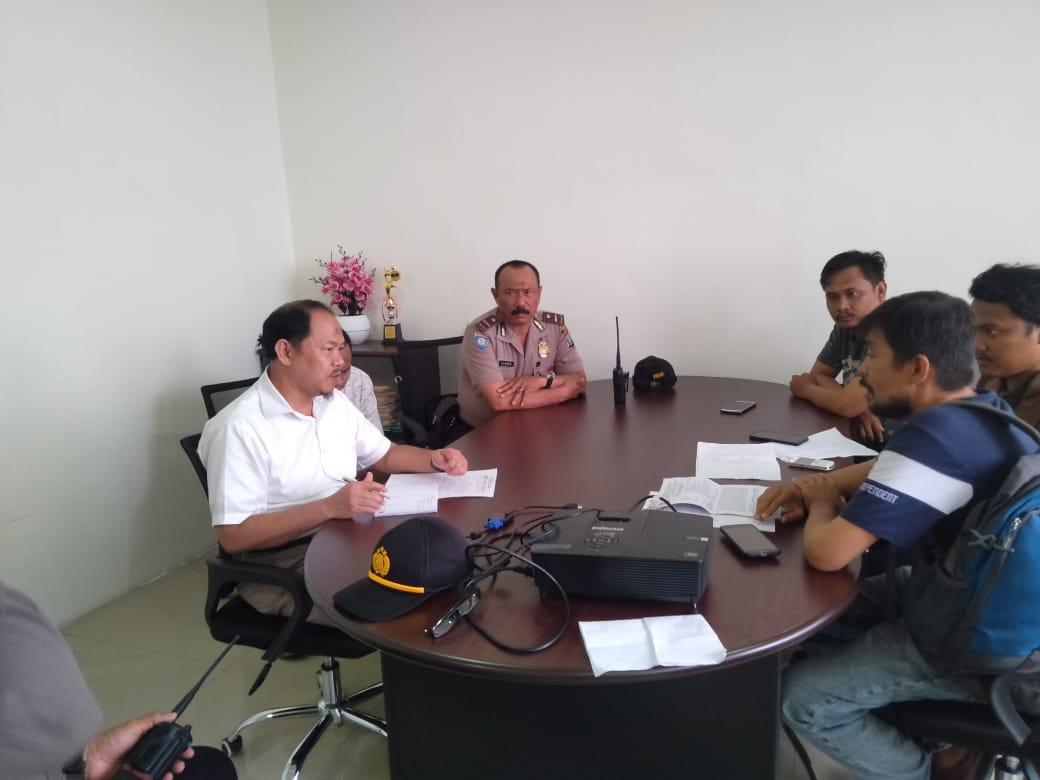 Tidak Mau Tanda Tangani SPPBJ Proyek Aek Sibundong, Mahasiswa tuding PPK Yuda Arogan
