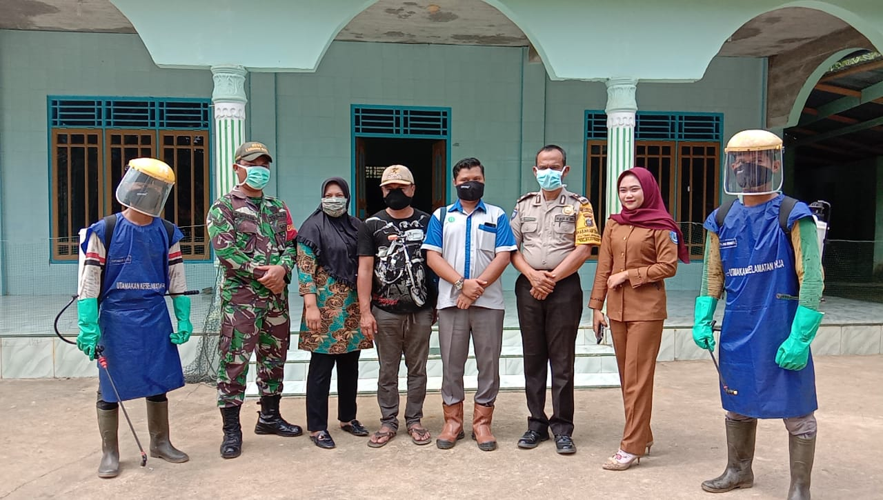PT Siringo-ringo Bersama Perangkat Desa Bandar Kumbul Lakukan Pencegahan Virus Corona