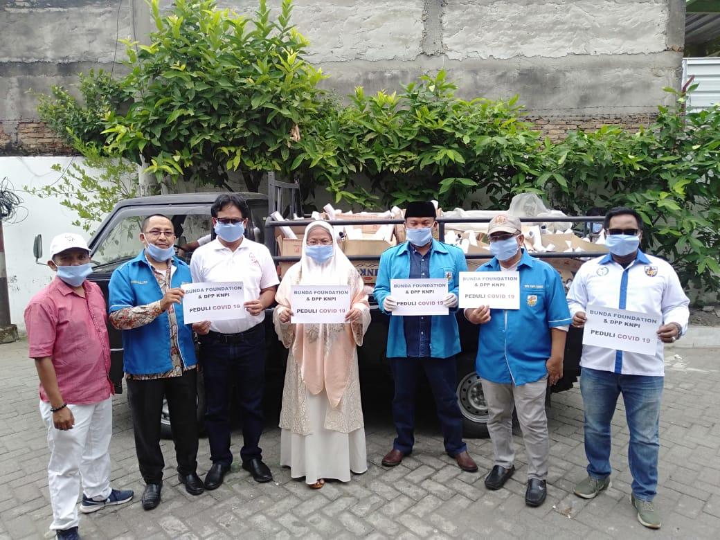 Lawan Covid-19, DPP KNPI & Bunda Foundation Bagikan Ribuan Sembako Ke Masyarakat