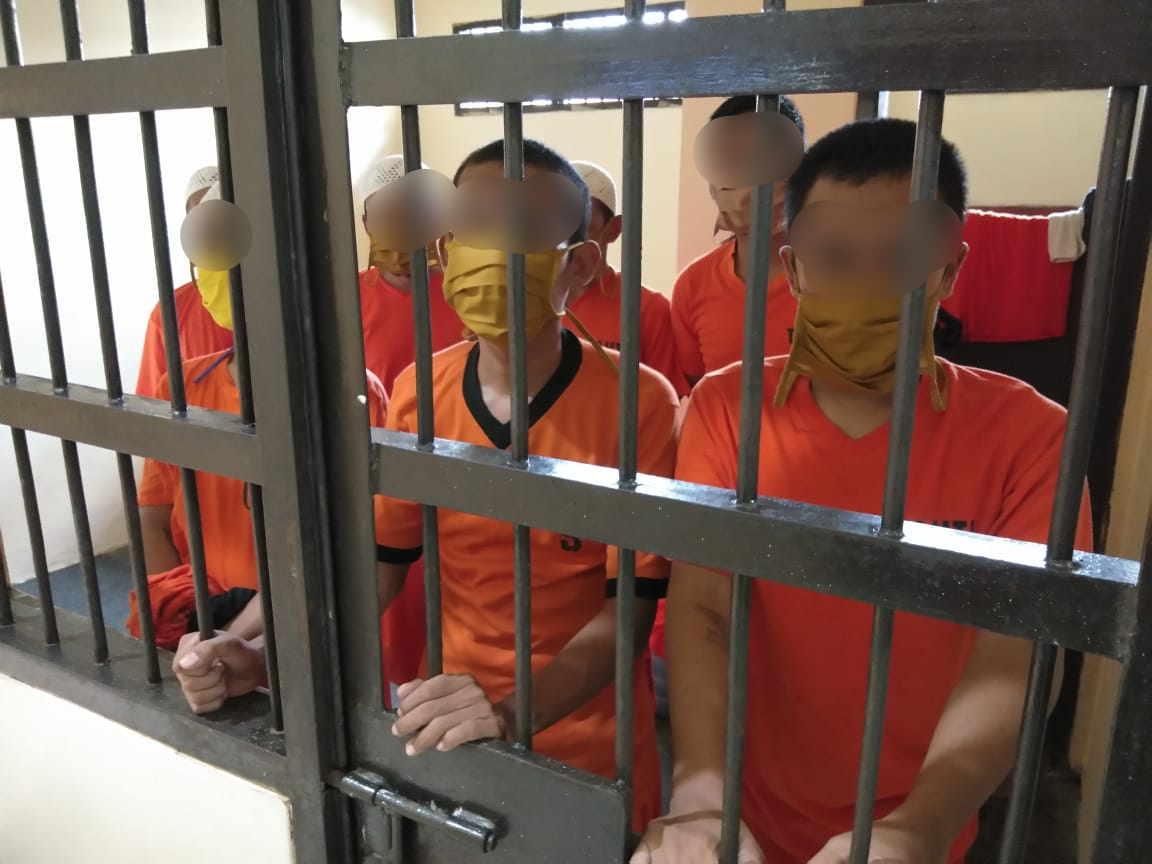 Polres Banjar, Bagikan Masker kepada Tahanan