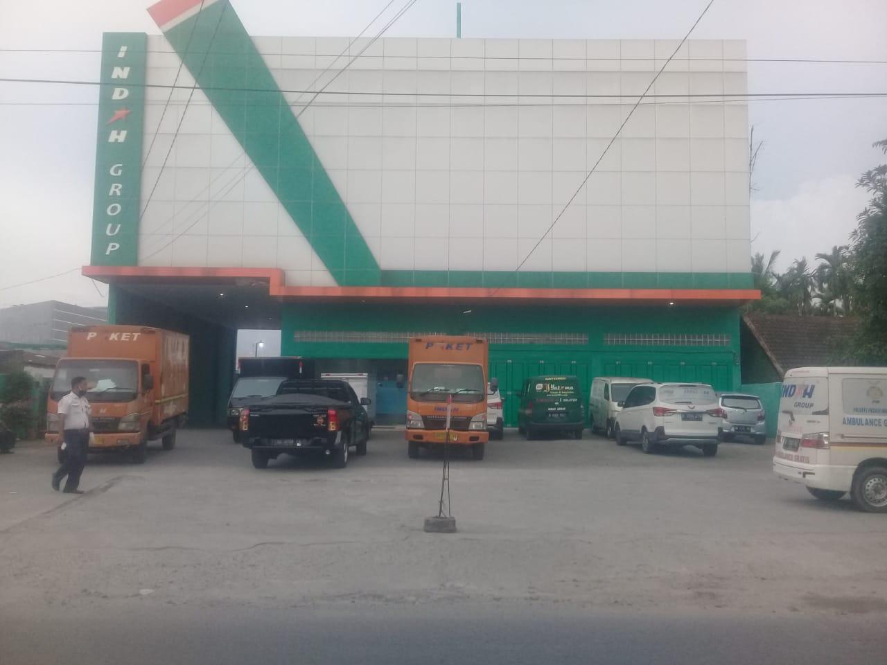 Bongkar Bangunan Indah Cargo Jalan Pasar Merah Ujung