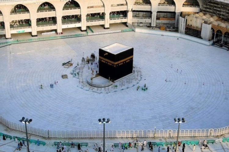Arab Saudi, Larang Salat Tarawih di Masjid untuk Cegah Corona