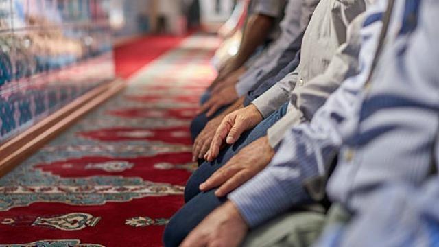 Termasuk Masjidil Haram dan Nabawi, Arab Saudi Tiadakan Salat Tarawih di Masjid