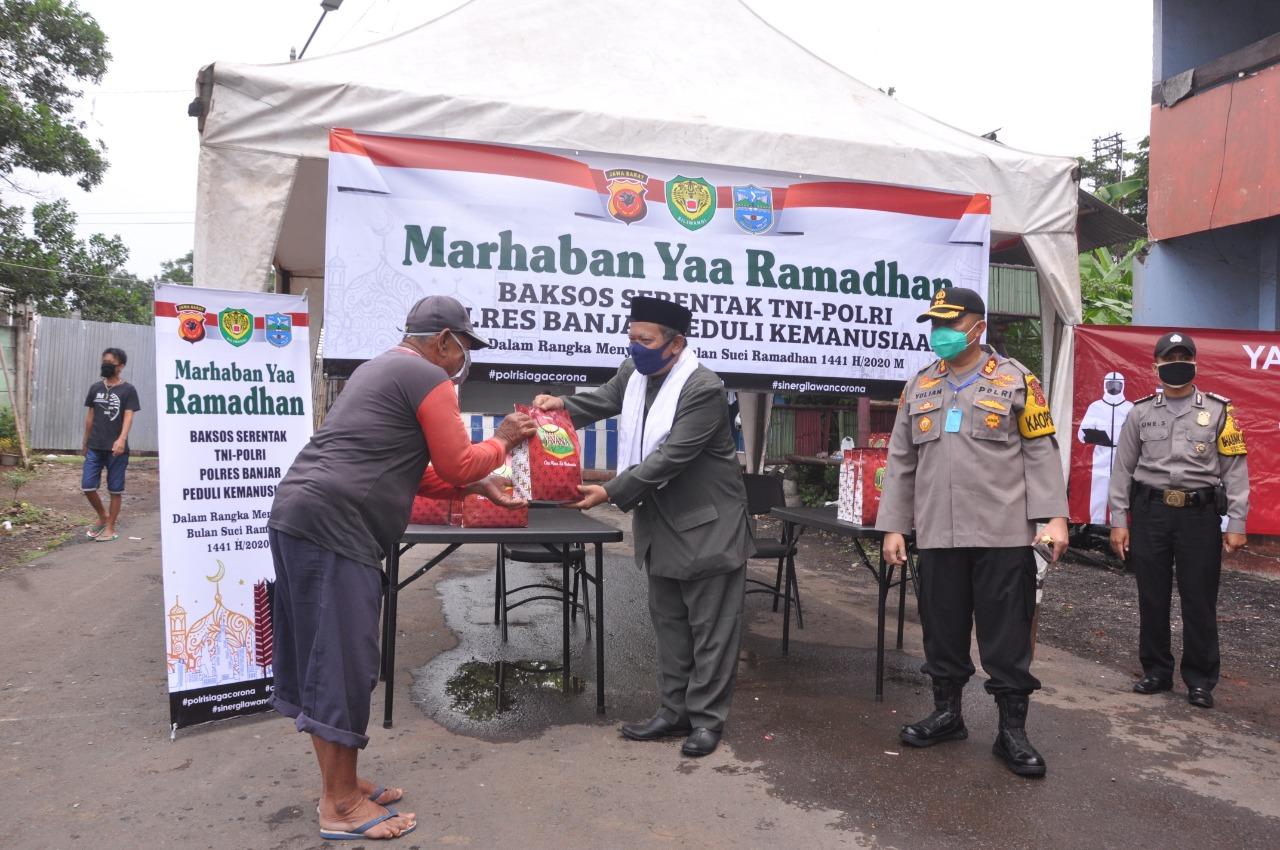 Jelang Ramadhan, Polres Banjar Bagikan Sembako