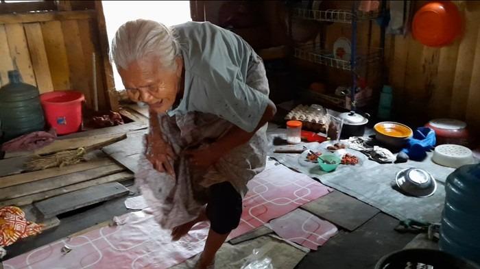Curahan Hati Nenek di Jambi Bertahan Hidup dari Uluran Tangan Tetangga