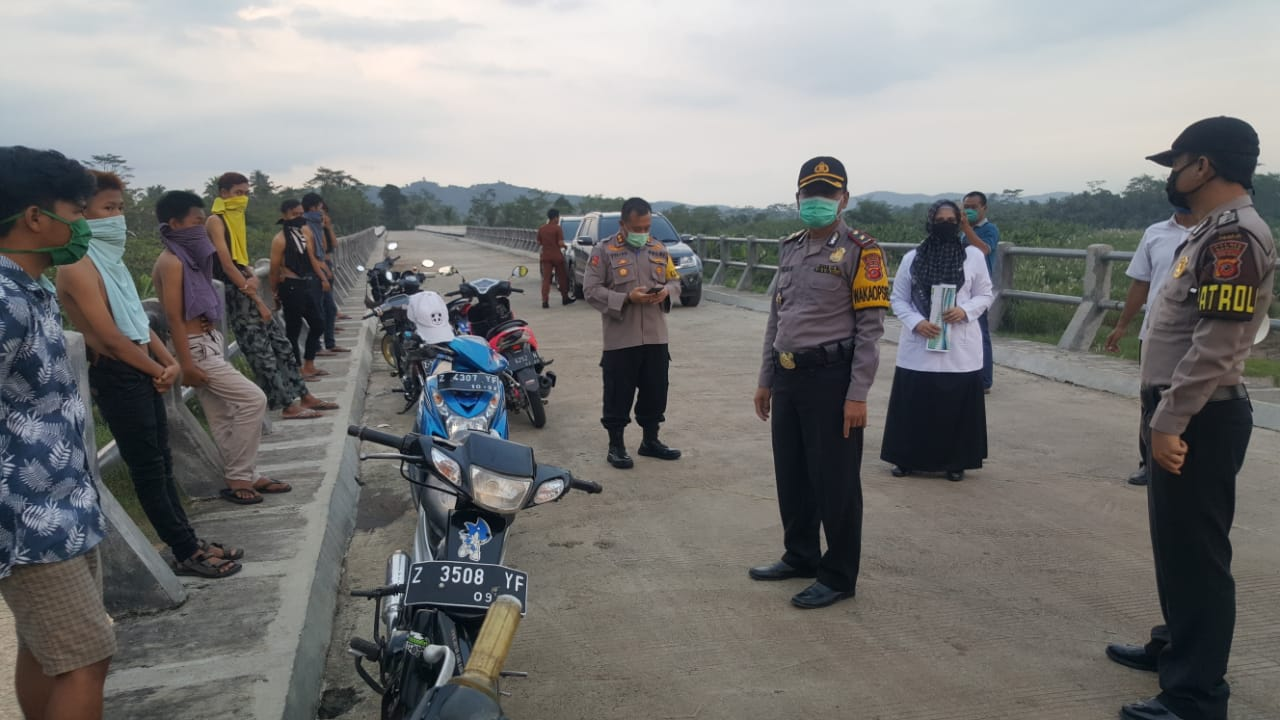 Cegah Corona, Jalur Lintas Jawa Tengah Menuju Jawa Barat Disekat