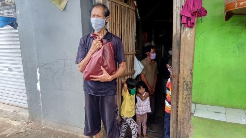 Satu Rumah Berisi 25 Orang Belum Terima Bansos
