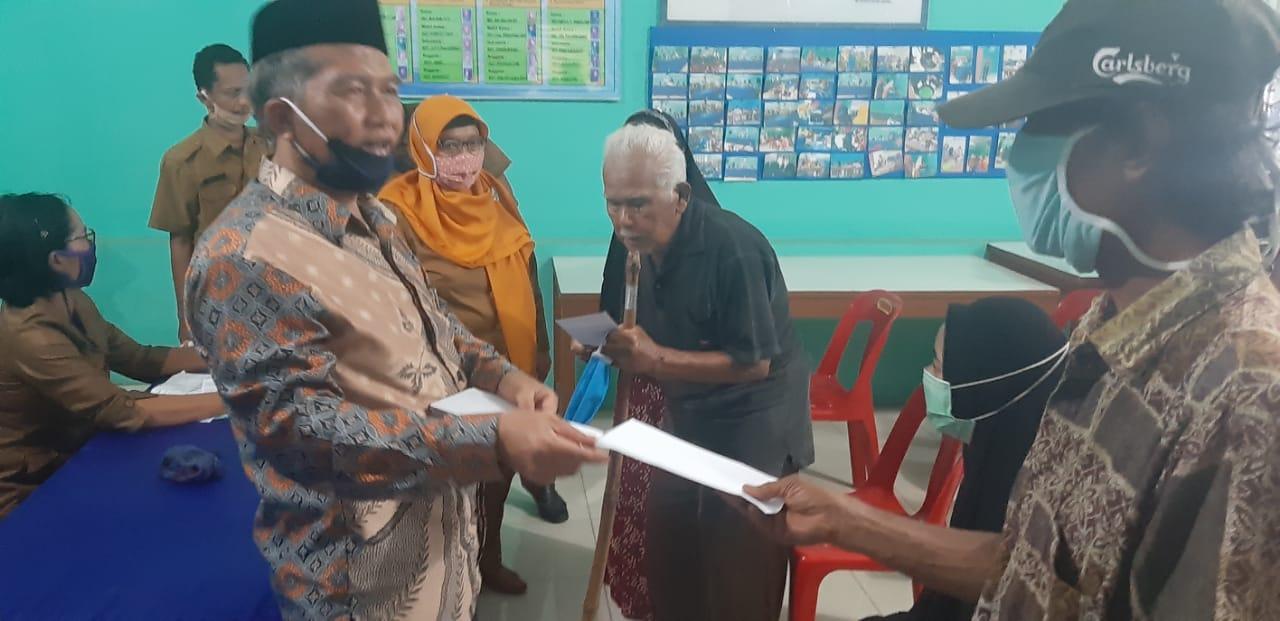Baznas Deli Serdang, Berikan Bantuan kepada Warga Fakir Miskin Di Kecamatan Hamparan Perak