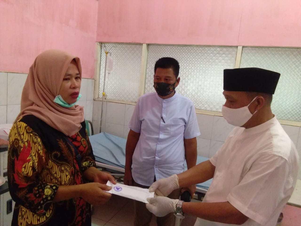 Baznas dan Camat Rantau Utara, Gandeng JPKP Bantu Warga Penderita Kanker Tenggorokan