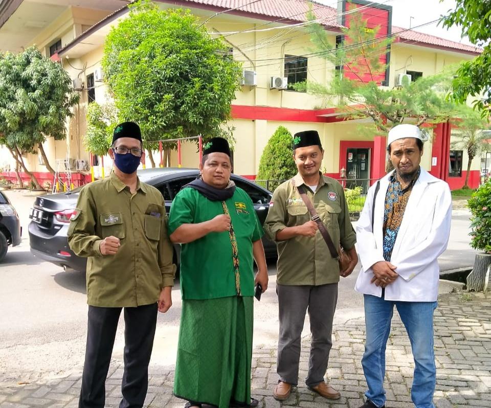 DPP-Laskar Mujahid Indonesia Bersama AMIR Berbagi Sembako di Kota Medan
