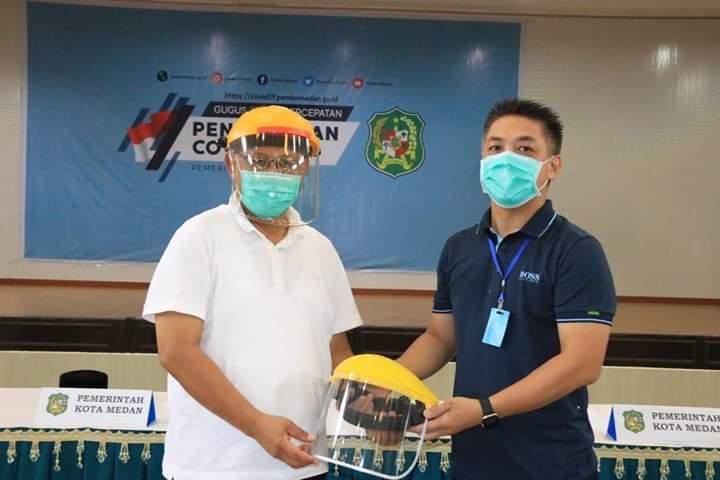 Pemko Medan Terima Bantuan 2.200 Paket Sembako dan 1.000 Helm APD