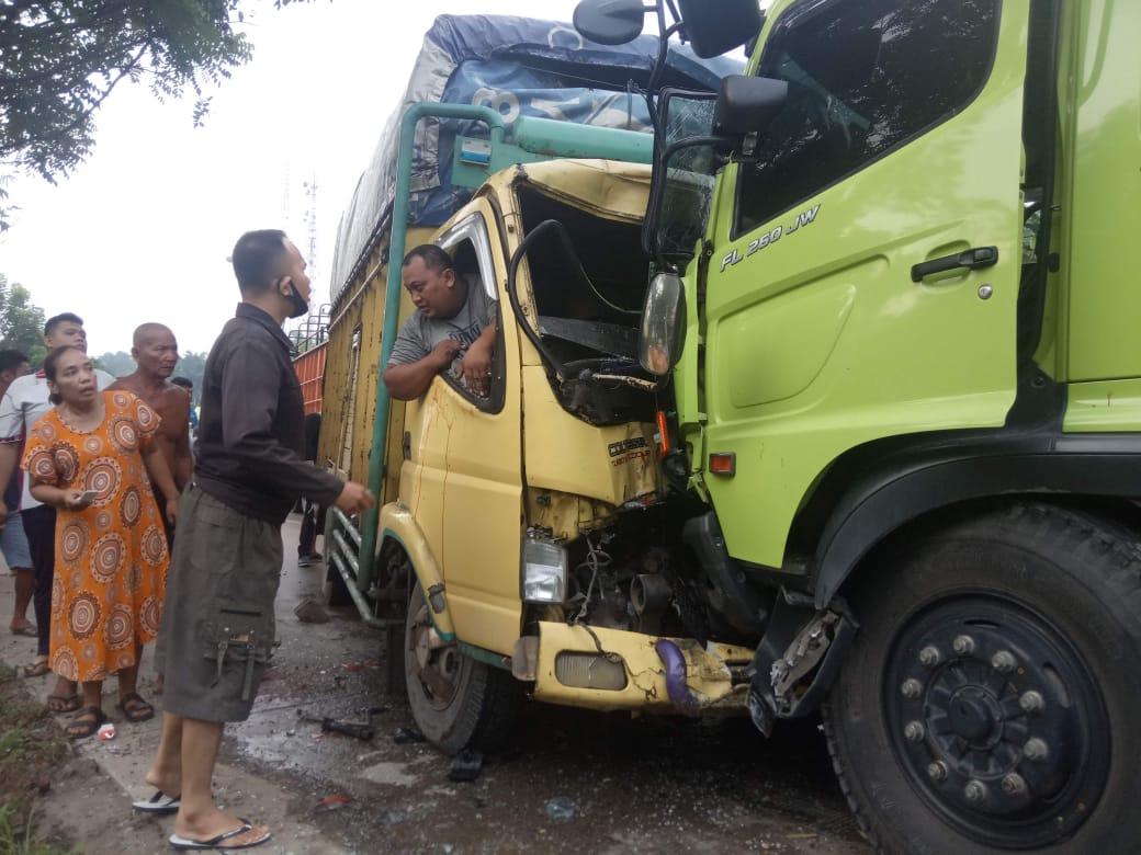 Kecelakaan di Labuhanbatu, Supir Truk Sempat Terjepit