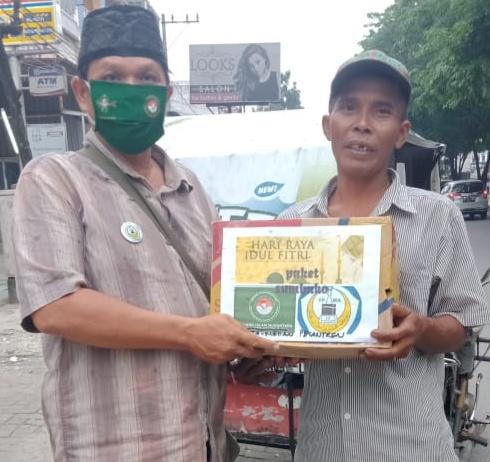 Pejuang Islam Nusantara Medan, Berbagi di Penghujung Ramadhan