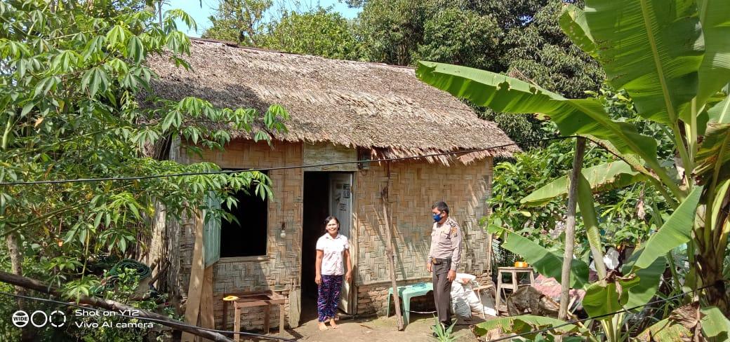 Polsek Talun Kenas, Bedah Rumah Warga Berkat Program Barakallah