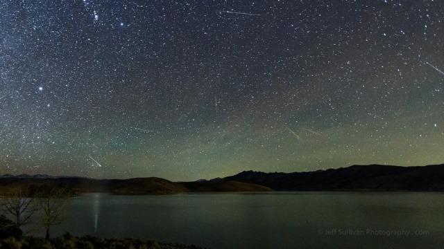 Malam Ini, Akan Ada Hujan Meteor Eta Aquarids Sampai Sahur