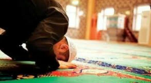 MUI: Sholat Idul Fitri Bisa di Rumah, Tak Pakai Khotbah