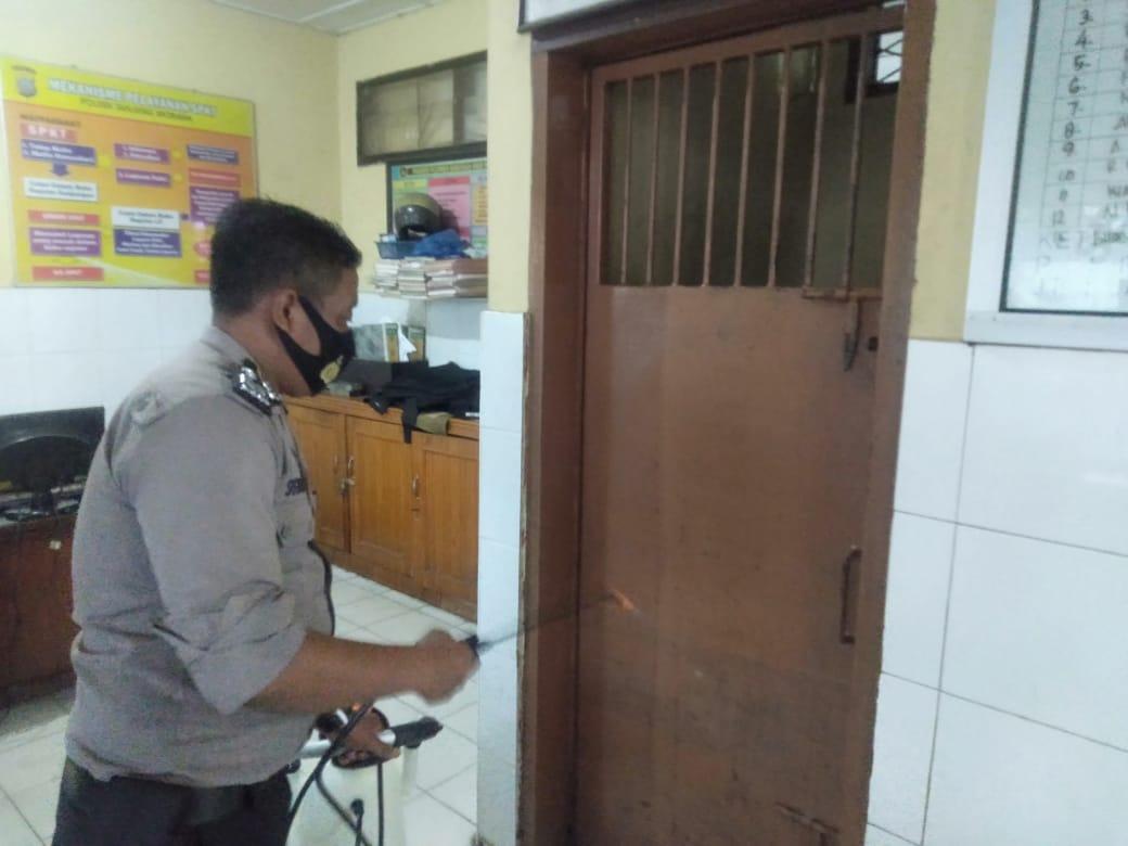 Polsek Tanjung Morawa, Semprot Disinfektan di Sel Tahanan dan Ruang Publik
