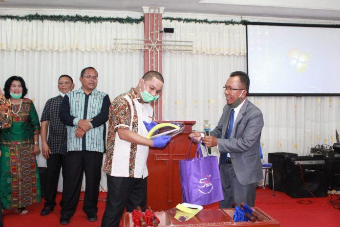 Jalin Silaturahmi, Bupati Tapteng Hadiri Undangan Pendeta GBI Sibolga