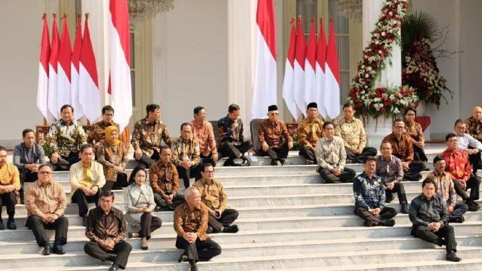 Pak Jokowi, Kalau Mau Terapkan New Normal Copot 11 Menteri Ini, Edan! Ada Nama...